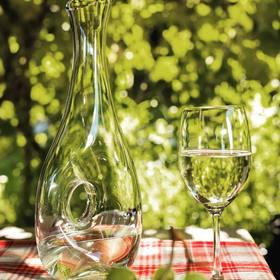 Une carafe à vin a l'avantage d'améliorer le goût du vin, que pensez vous de celle-ci? #vin#carafe#yodeco#artdelatable#vaisselle#verre